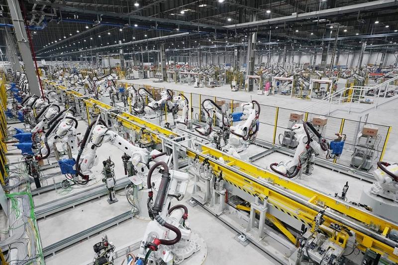 Lắp ráp, lắp đặt dây chuyền robot sơn ô tô cho Vinfast, Thành Công, Trường Hải, VEAM, Mazda, Ford, KIA, Huyndai,...