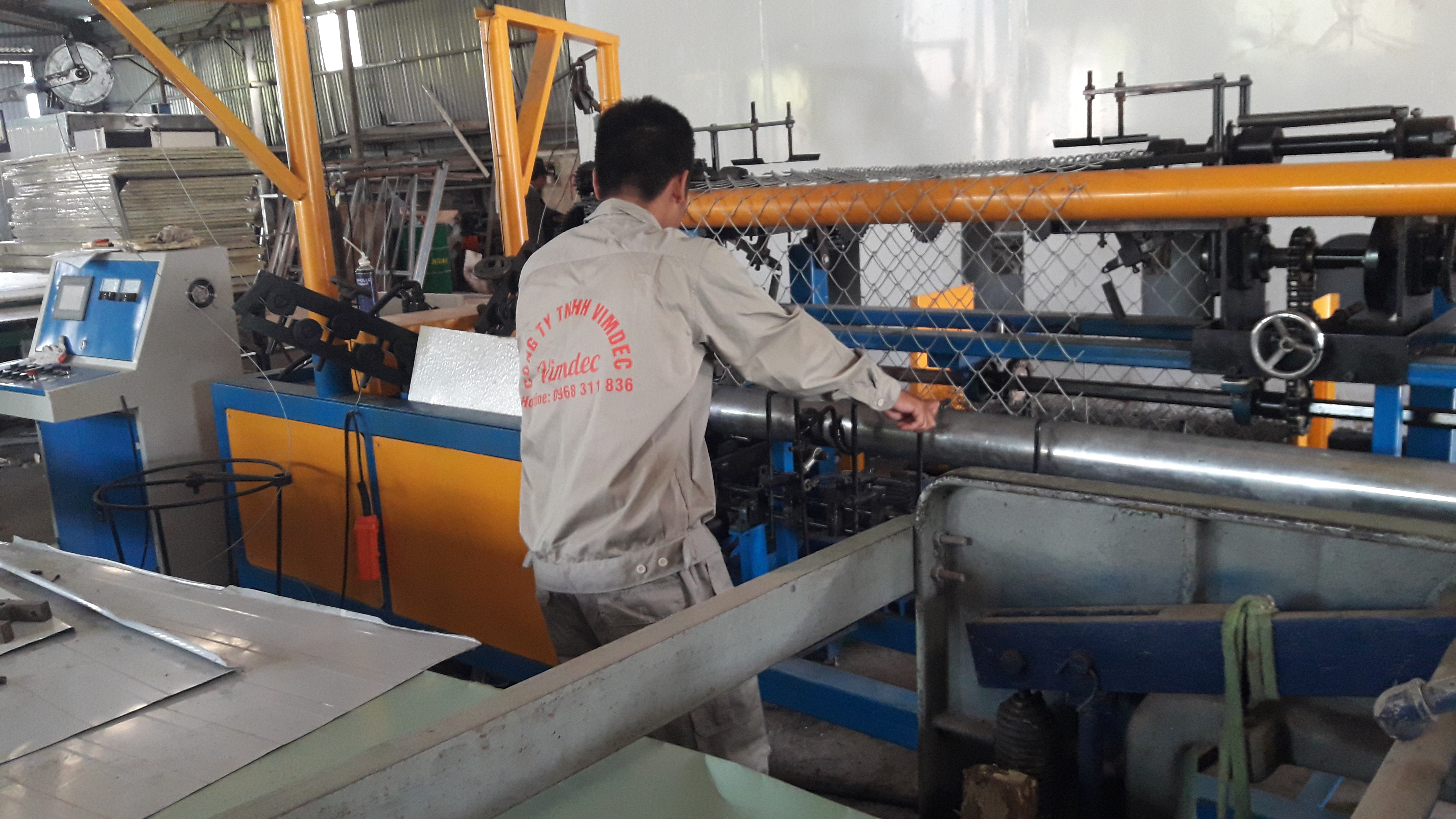 Repair, upgrade chain link fence machine b40
